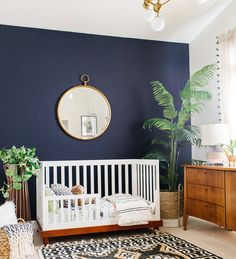 Perfect plants for decorating your baby's nursery room. Beautiful green design ideas for your baby room. Incorporate nature and green hues with a minimalist look into your nursery room. Source by Baby Bedroom, Baby Boy Rooms, Baby Room Decor, Baby Boy Nurseries, Nursery Decor, Boho Nursery, Nursery Modern, Room Baby, Toddler Rooms