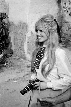 Bridget Bardot Hair, Brigitte Bardot Hairstyle, Bardot Brigitte, Bardot Fringe, Old Hollywood, Hair Inspiration, Wedding Hairstyles, Vintage Hairstyles, Hair Beauty