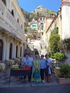 Fotografía: Teresita Mercuri - Taormina - Maravilloso Grupo de amigas que se formó allí