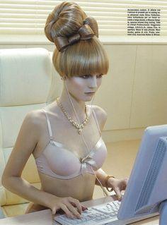 Charlotte di Calypso by Miles Aldridge for Vogue Italia. Hair pieces galore ! Hair