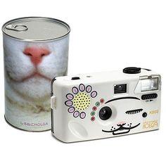 Shironeko Holga: The Cat Camera!