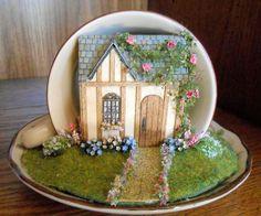 Micro Minis Weekend 2013 - Teacup Scenes - Sales Tables    www.microminis.info