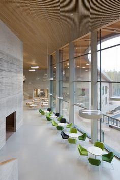 Wer gute Bildung will, braucht gute Bildungsbauten – so lautet der gesellschaftliche Konsens in Finnland. Eines der jüngsten Beispiele ist die neue Saunalahti-Schule von Verstas Architects in Espoo.