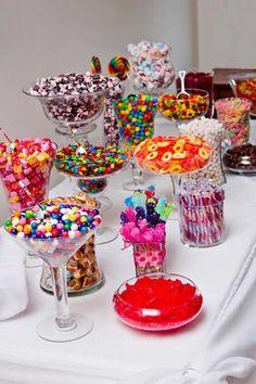 A fun candy bar idea for your next birthday party! A fun candy bar idea for your next birthday party! Bar A Bonbon, Festa Party, Diy Party, Sweet 16 Parties, Sweet 16 Party Favors, Teen Party Favors, Partys, Dream Wedding, Trendy Wedding