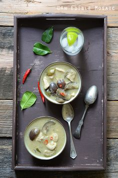 Authentic Thai Green Curry with Chicken (Kaeng Kiew Waan Kai) Sunday Recipes, Duck Recipes, Asian Recipes, Thai Recipes, Thai Coconut, Canned Coconut Milk, Authentic Thai Green Curry, Thai Eggplant, Thai Green Curry Paste