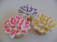 Marshmallow Spring Flower cupcakes