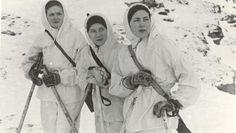 De kvinnelige soldatene deltok i kampene på Sørøya, der 6 norske og mellom 30 og 100 soldater ble drept. Wwii, Usa, People, Historia, Italia, Photo Illustration, World War Ii, People Illustration