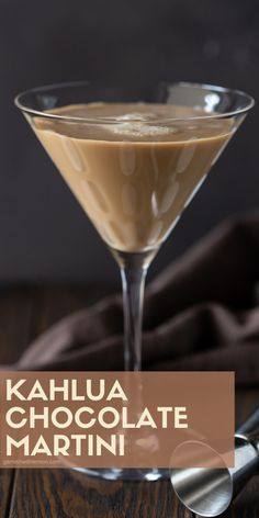 Easy Kahlua Chocolate Martini Why choose between dessert and an after-dinner drink when you can have both? This Kahlúa Chocolate Martini is a decadent spin on a traditional chocolate martini and will definitely be a party favorite. Cocktail Drinks, Fun Drinks, Yummy Drinks, Cocktail Recipes, Alcoholic Drinks, Beverages, Kahlua Drinks, Mixed Drinks, Coffee Cocktails