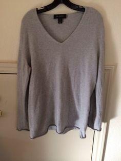 St John Cashmere Sweater Size Medium | eBay #stjohn #cashmeresweater #sizemedium #stjohncashmeresweater #ebay #consignment #apparel #womenswear #designer #fashion #cashmere
