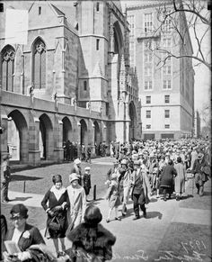 Crowds outside the Fourth Presbyterian Church for an parade, Chicago, Chicago River, Chicago Area, Chicago Pictures, Chicago History Museum, Chicago Photography, My Kind Of Town, Chicago Style, Chicago Illinois, Old Pictures