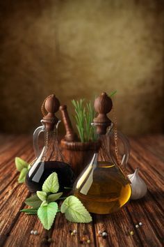 Blender Render: Italian style Bottle of olive oil and vinegar, garlic and herbs Blender 3d, Olive Oil And Vinegar, Blender Tutorial, Still Life Art, 3d Artist, Still Life Photography, Food Photography, Italian Style, Green And Brown