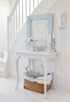 Shabby Chic Home Furniture Collection; Shabby Chic Home Decor Images provided Shabby Chic Home Indonesia where Home Decorators Collection Cordless Blinds Shabby Chic Flur, Shabby Chic Room Decor, Shabby Chic Entryway, Casas Shabby Chic, Shabby Chic Zimmer, Muebles Shabby Chic, Shabby Home, Shabby Chic Bedrooms, Shabby Chic Cottage
