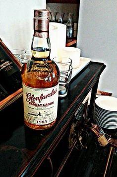 Glenfarclas Family Cask 1985  #whisky #singlemalt #singlecask #cask #glenfarclas #1985 #piano #music #glass