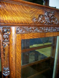 Wanted to show the detail in the tiger oak veneering on this cabinet. Nice workmanship.