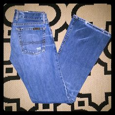 """Lucky Brand Dungarees Factory Distressed//Light, Medium Wash//Bootcut//Inseam: 32""""//EUC Lucky Brand Jeans Boot Cut"""