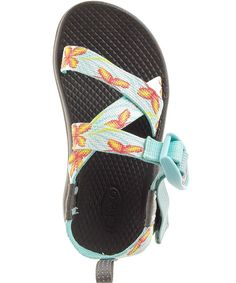 Ultraviolet Kids / Lilly This fun girl Chaco glows in the dark! Kids Z, Kids Girls, Little Girls, Kids Sandals, Shoes Sandals, Kids Chacos, Luxury Baby Clothes, Hiking Sandals, Ultra Violet