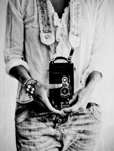 Photography<3<3 LOVE THESE JEANS AND CAMERA i have pants need the camera <3<3
