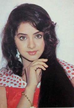 149 Best Divya Bharti Images Bollywood Beautiful Actresses