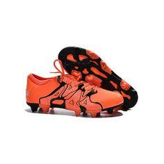 Les nouvelles chaussures de football X 15.1 FG/AG sont conéues pour briser les lignes adverses et créer le chaos sur terrain sec ou synthétique. - 113.0000