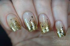 Kultaista glitterliukua uudelle vuodelle