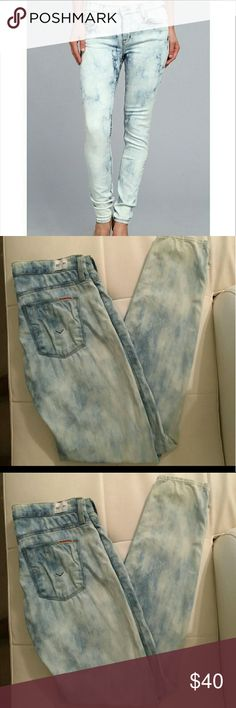 Hudson Stonewash Skinny Midrise Make an Offer! Great Condition. Just Purchased but they are too Big Hudson Jeans Jeans Skinny