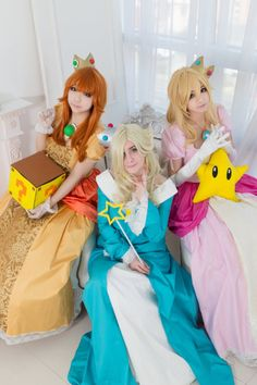 The ladies of #Nintendo! Rosalina (@busan_panda), Peach (Rato) and Daisy (PIS)! #cosplay #videogames #supermario