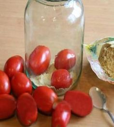 So tartósítsd the tomatoes that can be fresh New Year's Eve as well. Simple and… Home Canning, Ketchup, Preserves, Food And Drink, Homemade, Snacks, Vegetables, Cooking, Simple