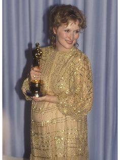 In flashy horizontal-stripe sequins, Meryl Streep was the radiant, glow-y variety of pregnant with daughter Mamie Gummer.