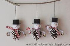 Pinecone snowmen Kifli és levendula: Hóemberek fenyőtobozból