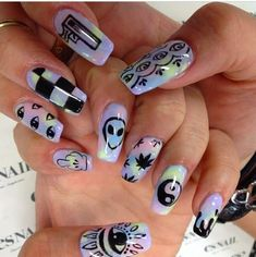 The advantage of the gel is that it allows you to enjoy your French manicure for a long time. There are four different ways to make a French manicure on gel nails. Punk Nails, Grunge Nails, Swag Nails, My Nails, Pastel Goth Nails, Goth Nail Art, Zebra Nails, Tribal Nails, Best Acrylic Nails