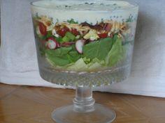 7 layer salad, split pea soup, punch, tyler by front door 015