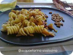 …fusilloro con peperoni, pinoli e ventresca di tonno all'arancia…e Olio Flaminio Delicato! by http://acquaefarina-sississima.blogspot.it/