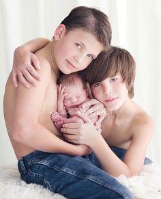 awwwwwwwwwwww!!!!!!!!! melts my heart ! can not wait for more kids!