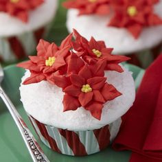 Luscious white buttercream icing accented with sparkling sugar creates the perfect base for royal icing poinsettias. Peppermint Stripe ColorCups Baking Cups are foil-lined to retain their pristine stripes!