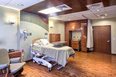 Labor, Delivery, Recovery & Postpartum (LDRP) Room - Tri Valley Health System by The Neenan Company, via Flickr