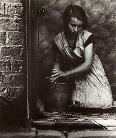 Young housewife, Bethnal Green, London, 1937. Bill Brandt. Gelatin silver print