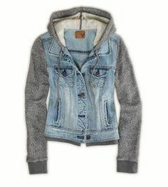 This is such a staple piece for Fall clothing items. You get the denim look plus the comfort of a sweatshirt! Sweatshirt and denim jacket Beauty And Fashion, Look Fashion, Winter Fashion, Urban Fashion, Looks Style, Looks Cool, Mode Outfits, Fashion Outfits, Womens Fashion