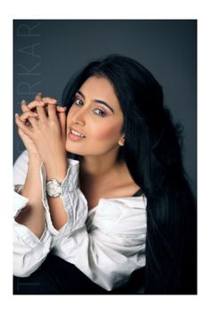 Hot marathi actress mrunmayee deshpande hosts marathi comedy sai lokur scores in kis kisko pyaar karoon with comedy ka badshah kapil sharma http altavistaventures Choice Image