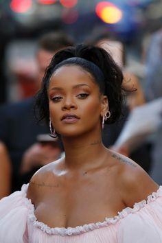Rihanna pinterest // @callmetrishh