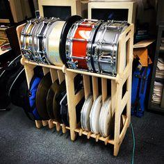 Handmade drum rack / drum storage made by plywood Drums Studio, Music Studio Room, Sound Studio, Band Rooms, Drum Room, Drum Lessons, Homemade 3d Printer, Snare Drum, Percussion