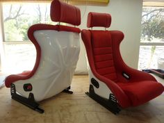 Vallelunga seats with white gelcoat backing,red leather and Alcantara centers.Classic custom seats by GTSclassics