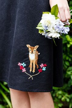 Dear o' Deer, our cover project from Homespun May 2015 issue, by Nicole Vos van Avezathe. #deer #embroidery #cute