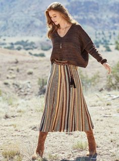 Fitted Wardrobe Inspiration, Style Inspiration, Dressy Casual Outfits, Modest Outfits, Jupe Short, Winter Skirt, Fall Skirts, Online Fashion Stores, Cotton Skirt