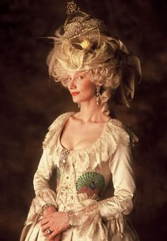 """Joely Richardson as Marie Antoinette in """"The Affair of the Necklace"""" Costume design by Milena Canonero. Movie Costumes, Cool Costumes, Costume Ideas, Period Costumes, Marie Antoinette, Versailles, Joely Richardson, Best Costume Design, 18th Century Costume"""