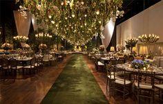 Lais Aguiar Aisle Suspended Gardens Eco Green Carpet Ceremony Party Celebration Dinner