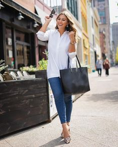 03cabe9c63a9 Caralyn Mirand is fall fashion perfection in her J.Jill Easy Button-Front  Shirt