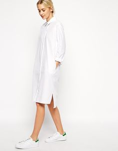 Buy ASOS WHITE Cotton Shirt Dress at ASOS. With free delivery and return options (Ts&Cs apply), online shopping has never been so easy. Get the latest trends with ASOS now. New York Fashion, Fashion Models, Fashion Outfits, Womens Fashion, Dress Fashion, Style Minimaliste, Asos, Cotton Shirt Dress, Outfit Trends