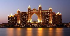 Atlantis The Palm is one of the world largest luxury hotels and Resort in Dubai. Atlantis The Palm is the destination of best tourist place offering something special for everyone. Dubai Hotel, Dubai City, Atlantis Hotel Dubai, Dubai Uae, Palm Jumeirah, Abu Dhabi, Dubai Travel, Luxury Travel, Dubai Tourism
