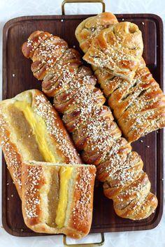 Pulla Recipe, Baked Doughnuts, Sweet Buns, Bread Bun, Bun Recipe, Sweet Pastries, Sweet Cakes, Sweet Bread, Bread Baking