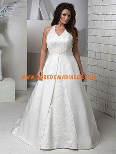 Robe de mariée grande taille en satin broderie